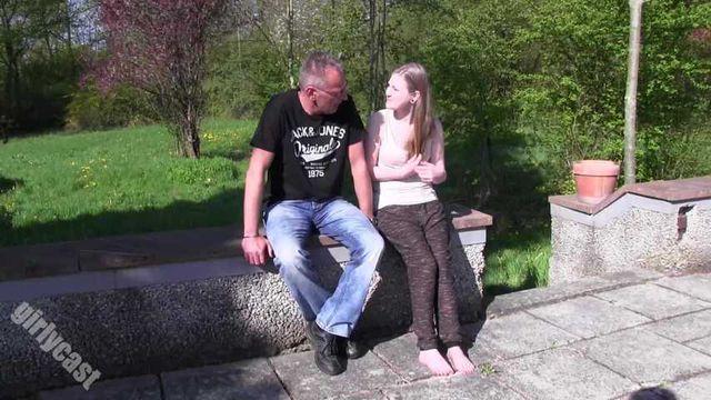 Julia 18 Jahre - 100% UNCUT & PUR!
