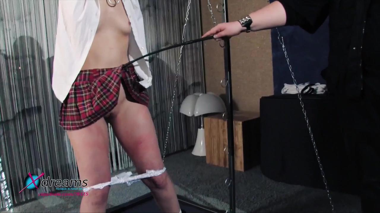 Sophias Bestrafung am Foltergerät
