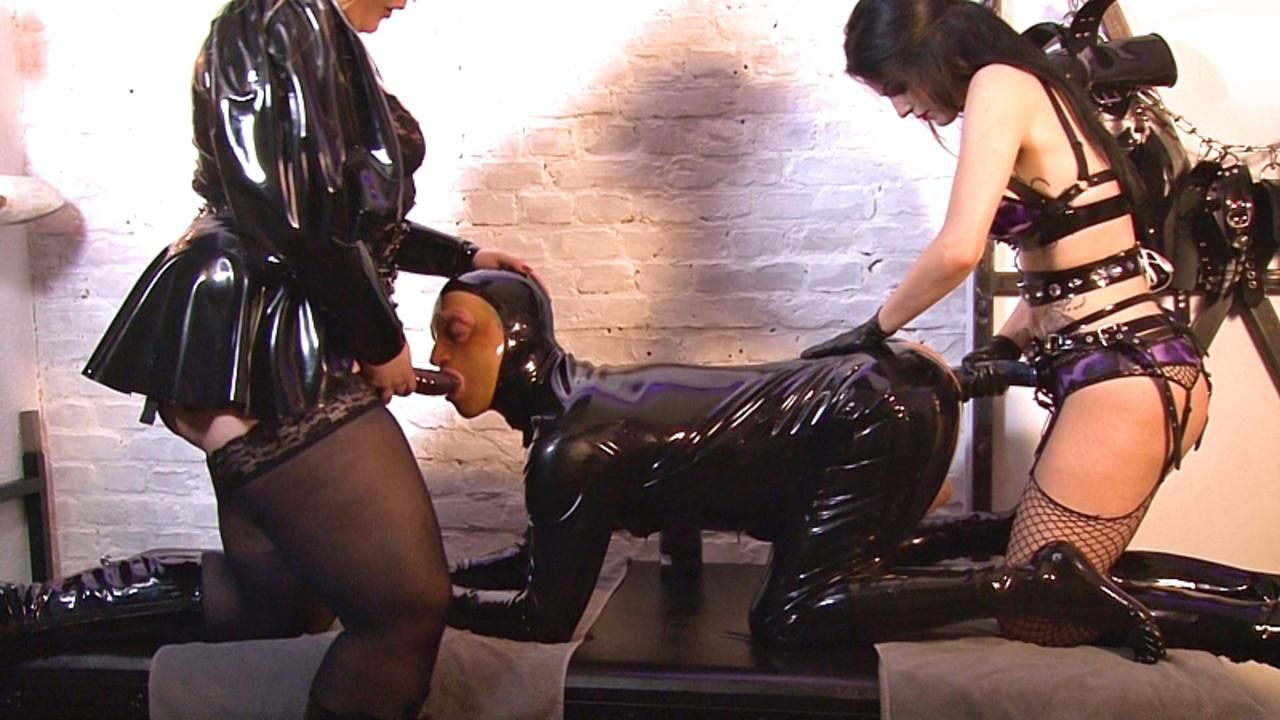 Lady Blackdiamoond - Die Gummipuppen Orgie Part2