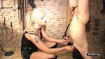 Syonera von Styx - Hanging in a Stage