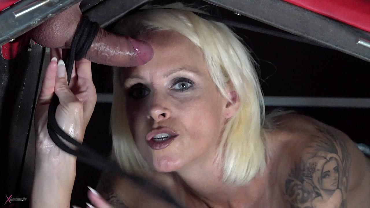Handjob MILF Jerk Me Off On The SM-Furniture