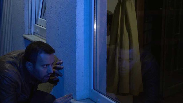 Jasmine Rouge S01E06 - Voyeur's peek to frilly laces
