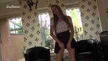 Natalie allein zu Hause