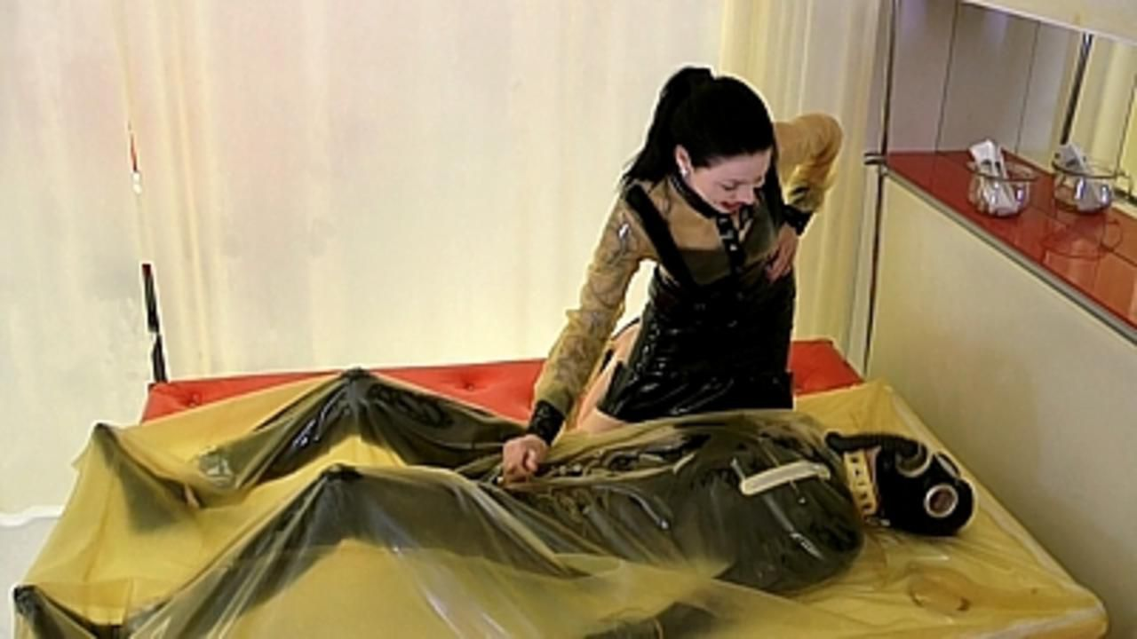 Lady Ashley - Welcome to my Latex World