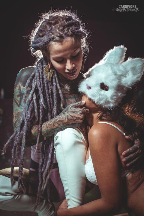 Haken und shibari BDSM suspension mit Anuskatzz und dem weißen Hasen