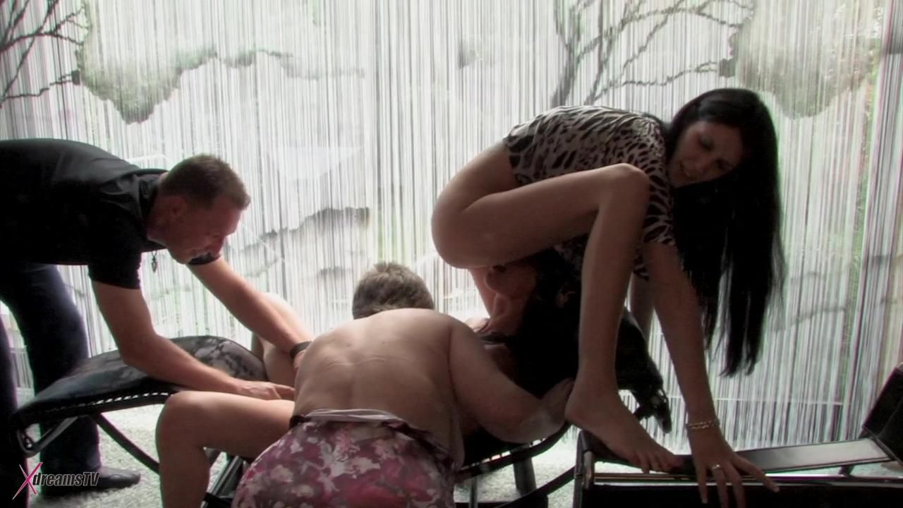 Amateur Sex Orgy - 3 Women And A Man Have Fun Together