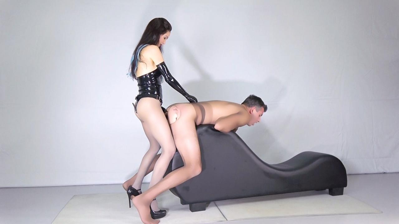 Nylon Male Bitch