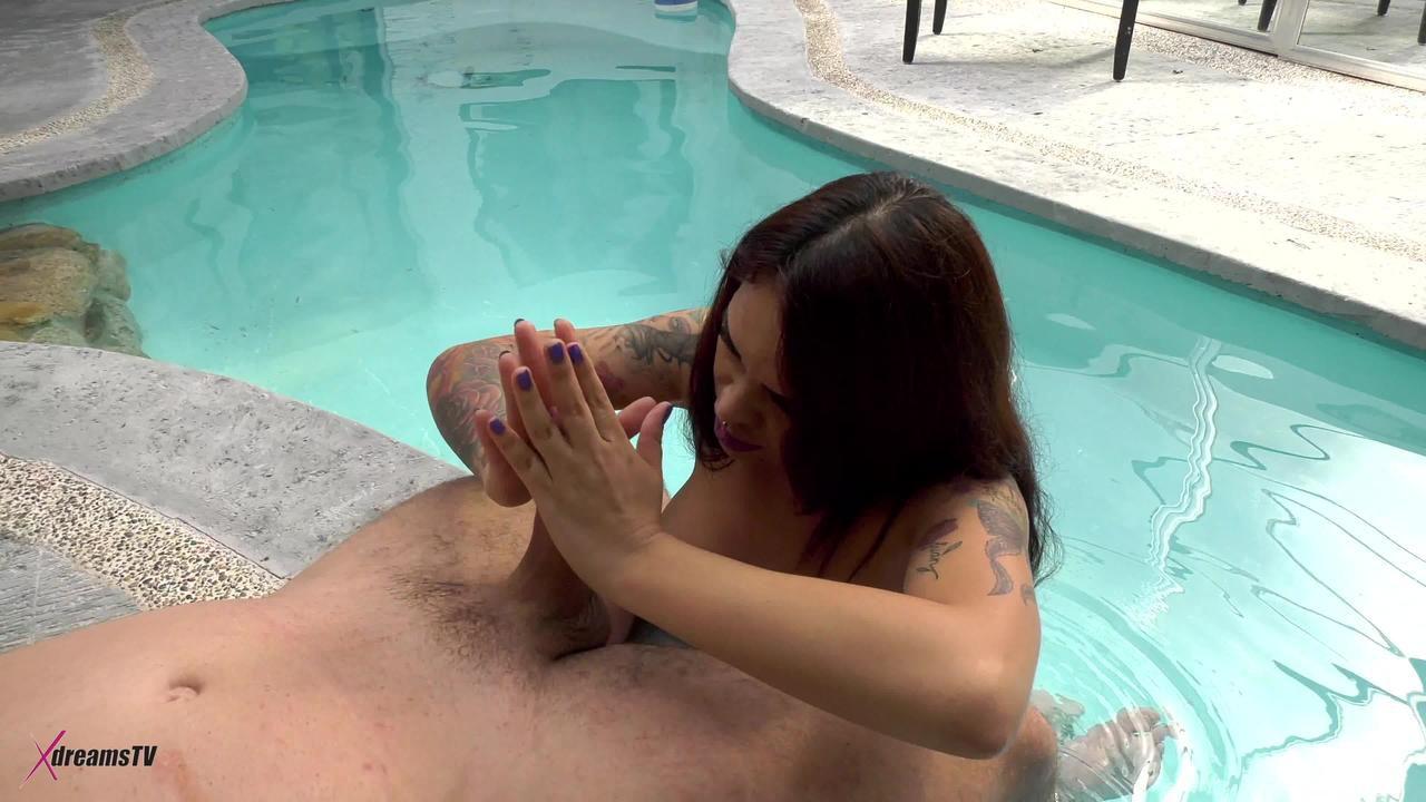 Cereza - Entspannungszeit - Handjob, Wichsen am Pool