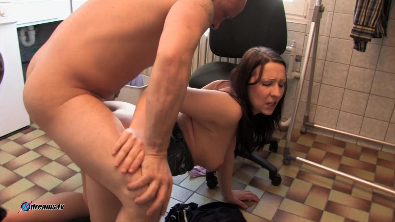 Super Sex In The Laundry Room