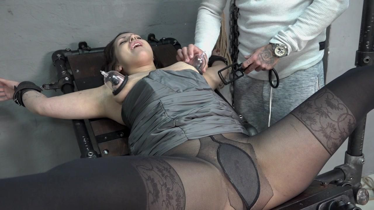 Samira - fucking machine Squirt