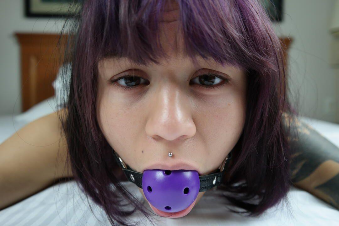 Amelia Dire loves Purple Bondage set