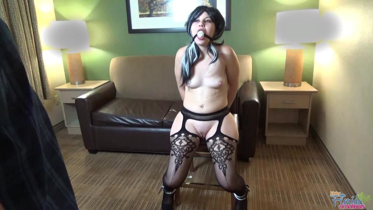 Kinky Amateur Teen Jessica Brown Bondage And Whipped