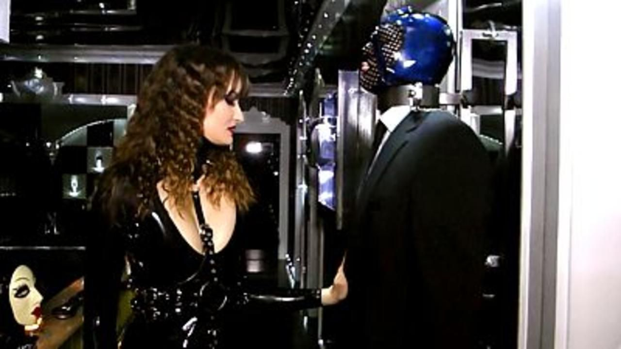 Lady Lilith - Holly mein Rubber Toy