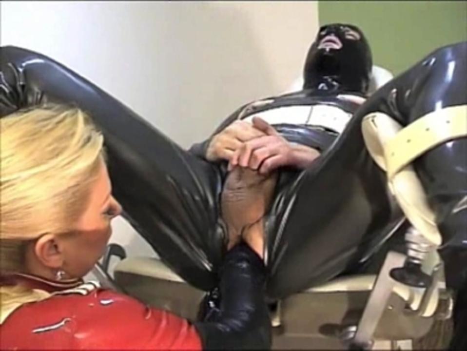 Contessa Cara - Gummi Klinik