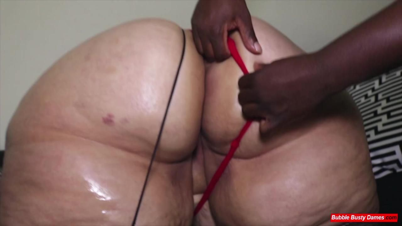 BIG LUSCIOUS DIVAS - STRAWBERRY CAKES Extended Cut