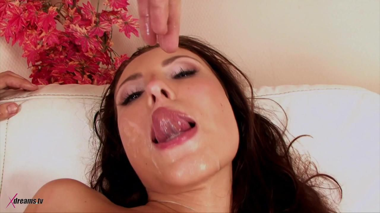 Anya Loves To Get A Hard Double Penetration