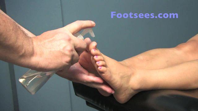 Cummy Soles Footjob