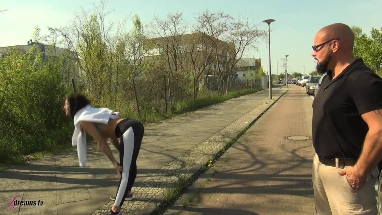 Lullus Outdoor Sports Activity Ends Up With Hand- And Blowjob