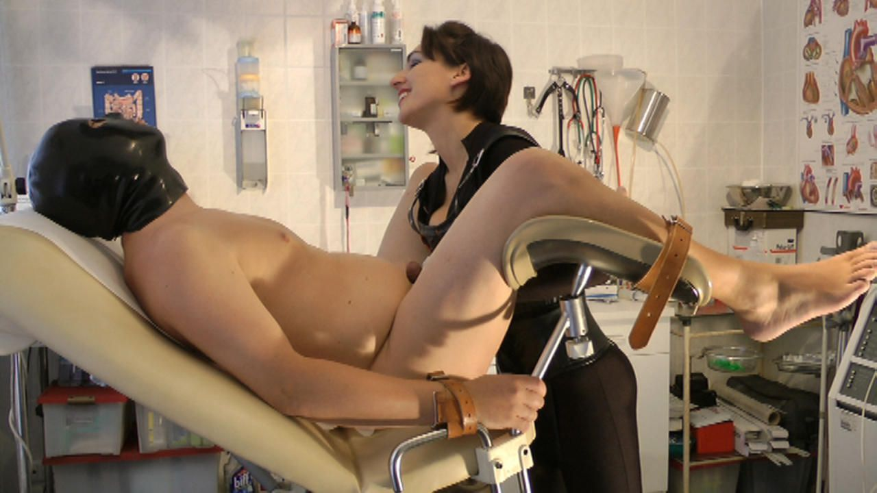 Baroness Mercedes - Kinky Clinic 1