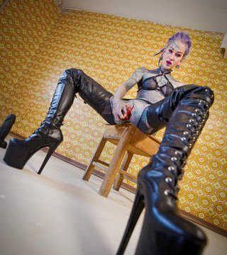Leder XXL high heels fetisch anal sextoy fotoset