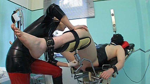 Syonera von Styx - Bizarre Clinic 1 (Strapon Fuck)