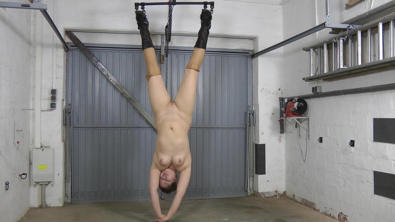 Bella - dildo fuck and hanging