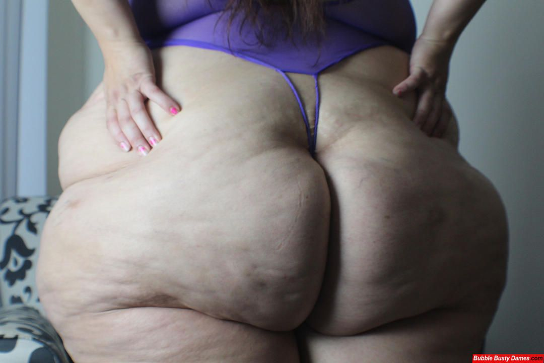 Super Tuesday with a Super PAWG