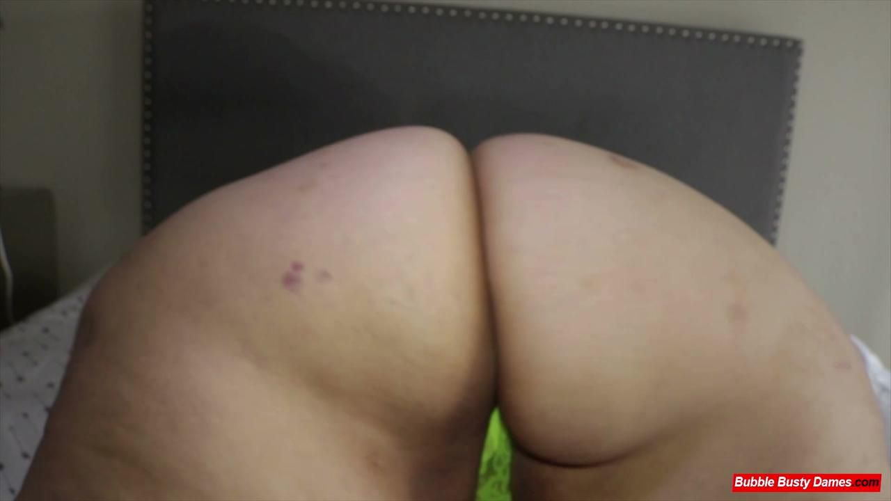 THE FATTY FITNESS 3 - STRAWBERRY CAKES Extended Clip 2