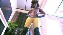Latex Giantess CamelToe