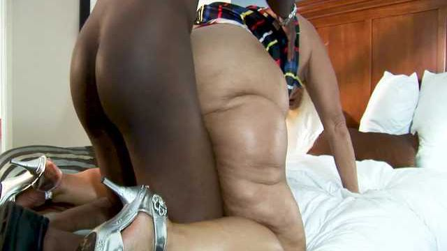MORE SERVICE THAN NECESSARY 2  - AMBER CONNERS EXTENDED CLIP 2