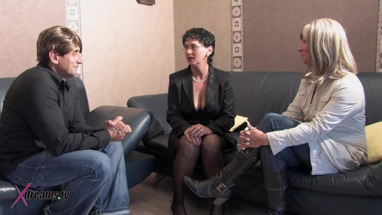Amateur Couple Visits A Sex Therapist To Have Better Sex Together