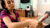Melinda, Amateur Handjob mit einem jungen Paar