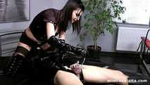Mistress Zita - A very painfull Orgasm