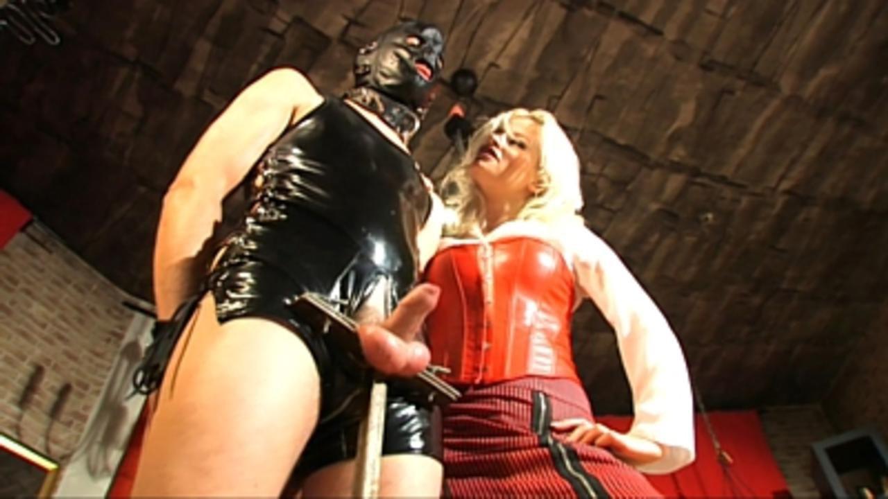 Syonera von Styx - Du darfst meine Stiefel lecken!