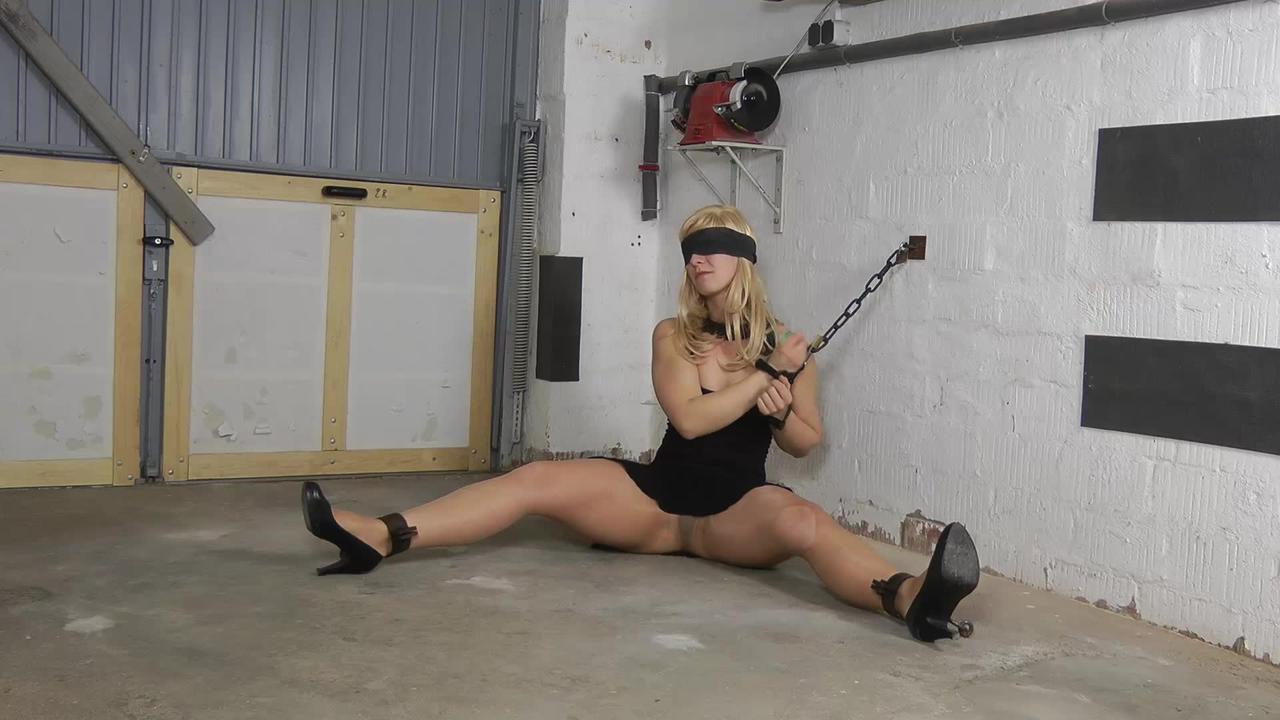 Slave girl Sophie