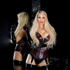 Be the heroine of your life, not the victim....<br /><br />#heroine #latexgloves #rubber #corsage #garters #fetishmodel #latexstockings<br /><br />https://allmylinks.com/caleatoxic
