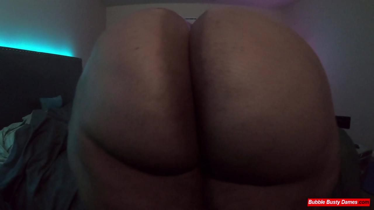 REAL BOOTY 2 - GOLDEN BOMBSHELL Clip 1