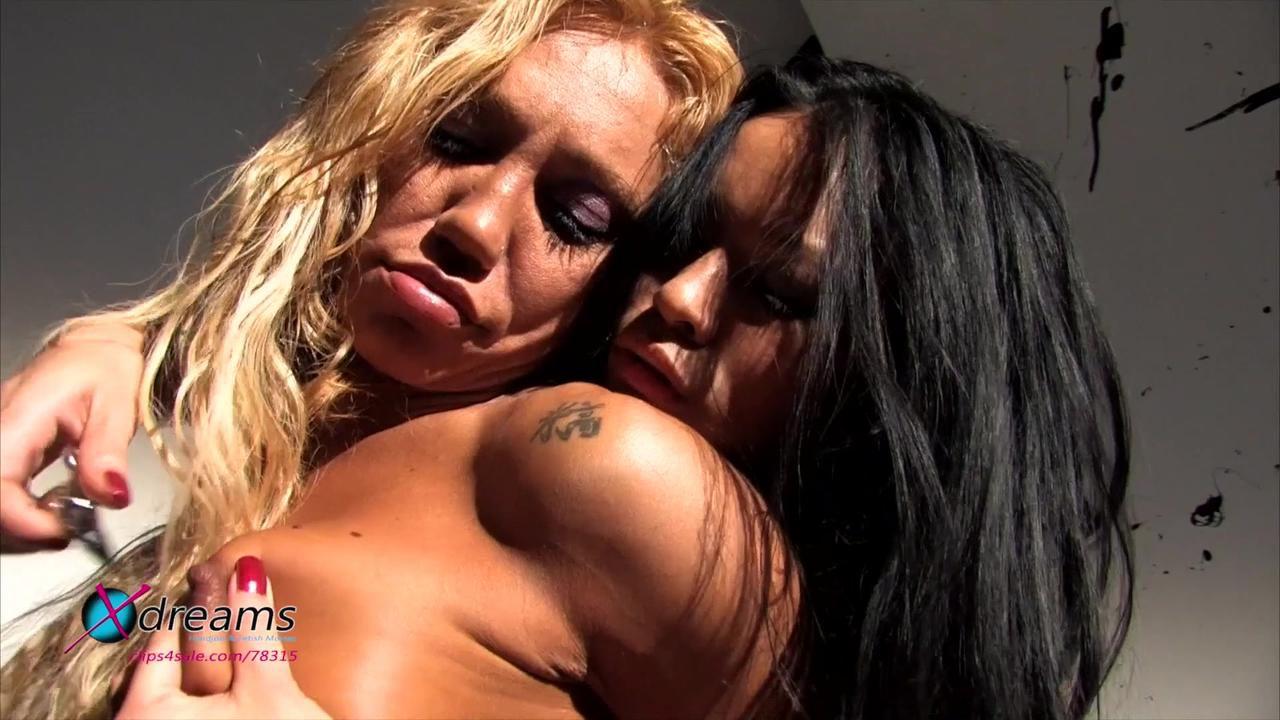 Cecilia + Suree Lesbian Domination Sex-Games