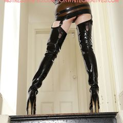 #picoftheday #photooftheday New shots of Me in vintage patent #thighhighboots by Little Shoe Box, #latexfashion designed & made by Me, #latexgloves & a Libidex #corset! http://mistresstokyo.com http://mistresstokyovideo.com Image by #jonwhitecreatives #mistresstokyo #mistresstokyovideo