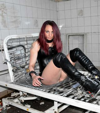 The new Bound-Girls immobilized