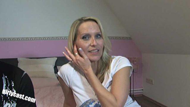 Julia Pink - Anal Casting