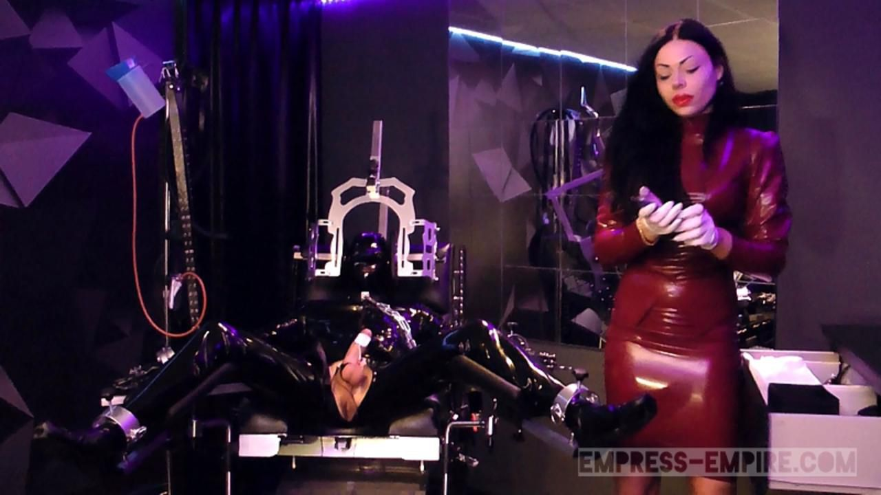 Lady Ashley - Rubber Drift Part1