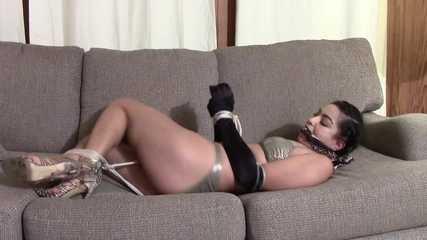 Alana Cabello 3