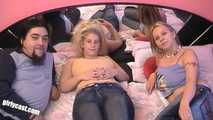 Chrissy & Jessy visited at home - New wild threesome