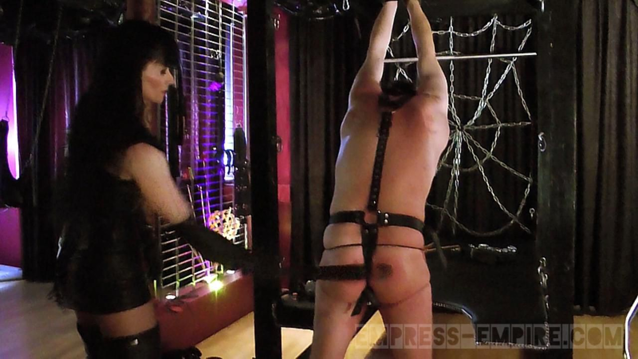 Cheyenne de Muriel - Serve Caning