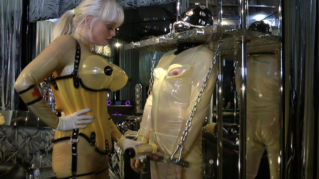 Madame Gillette - 2 Rubbertoys to play Part2
