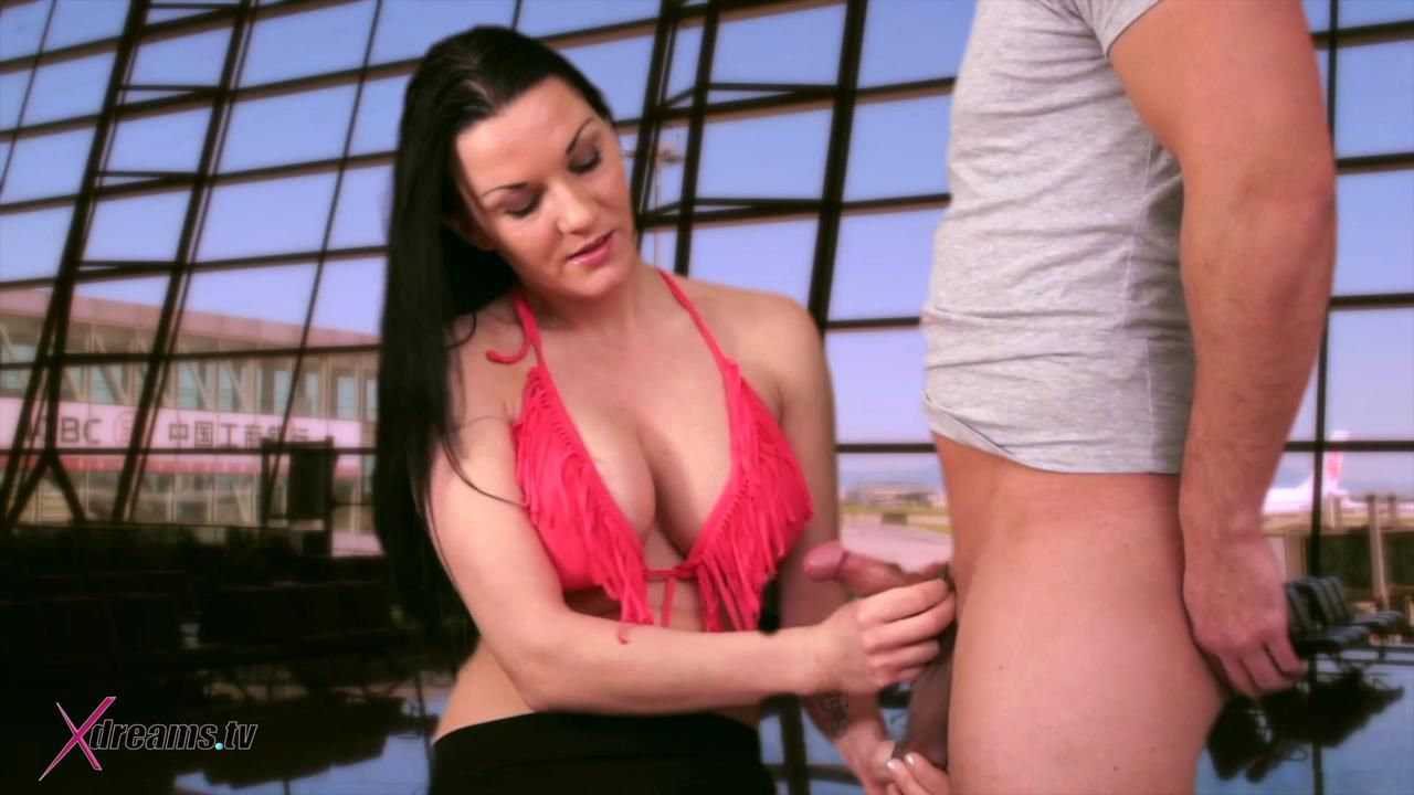 Mia Dominate Her Victim By Given Handjob Without Orgasm