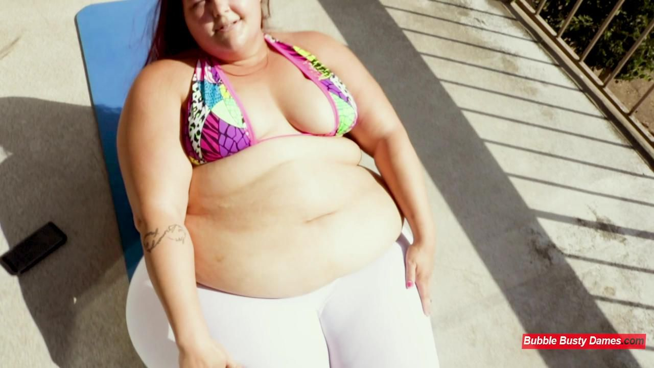 THE FATTY FITNESS 3 - STRAWBERRY CAKES Clip 1