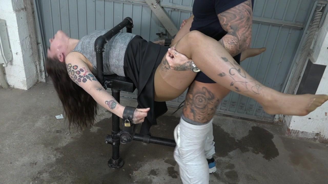 Samira gets fucked in the garage