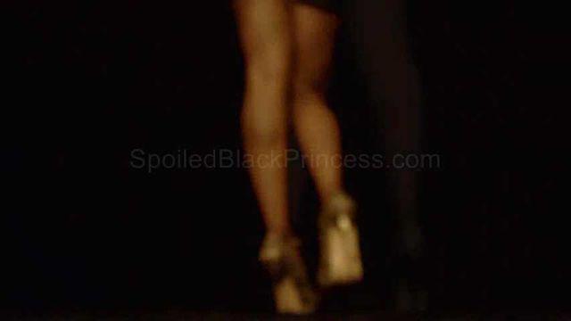 Ebony goddess legs
